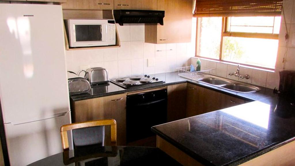 4 sleeper kitchen